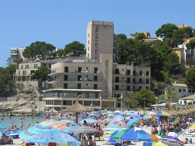 Mallorca vakantie playa de mallorca el arenal cala d 39 or for Aparthotel d or jardin de playa santa ponsa